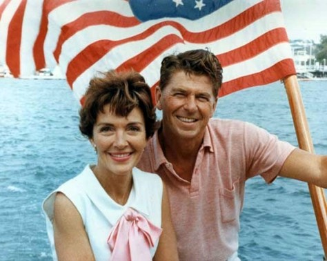 Ronald_Reagan_and_Nancy_Reagan_aboard_a_boat_in_California_1964wikipedia